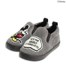ampersand / F.O.KIDS MART/Disney(ディズニー)サガラワッペン付きベビースリッポン/001979833