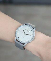 colleca la/シルバー文字盤腕時計/queite/500263163