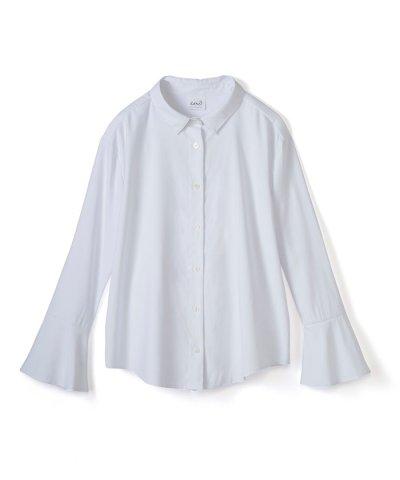 これ1枚で女っぽさを手に入れるなめらか素材の袖フレアーシャツ