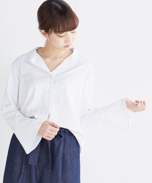 haco!(ハコ)/これ1枚で女っぽさを手に入れる なめらか素材の袖フレアーシャツ/449536_img04