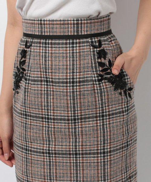 Apuweiser-riche(アプワイザー リッシェ)/【andGIRL 11月号掲載】ポケット刺繍チェックタイトスカート/27432820_img08