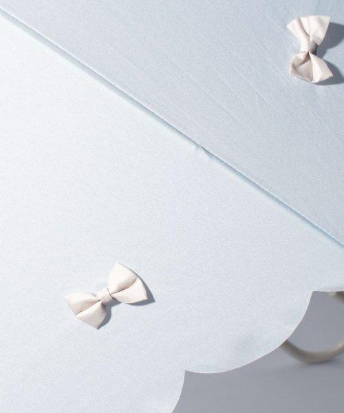 pink trick(ピンクトリック)/雨晴兼用 長傘 (UVカット&軽量) カラフルリボンサックスブルー×オフホワイト/87303_img04