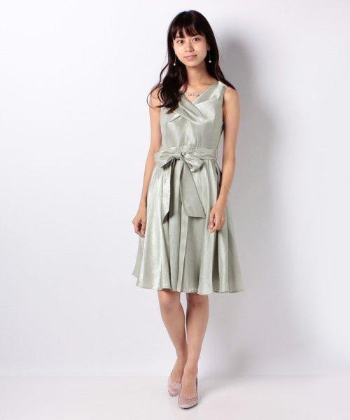 Eimy Peral(エイミーパール(ドレス))/ネックレス付光沢ウエストリボンドレス/4990_img01