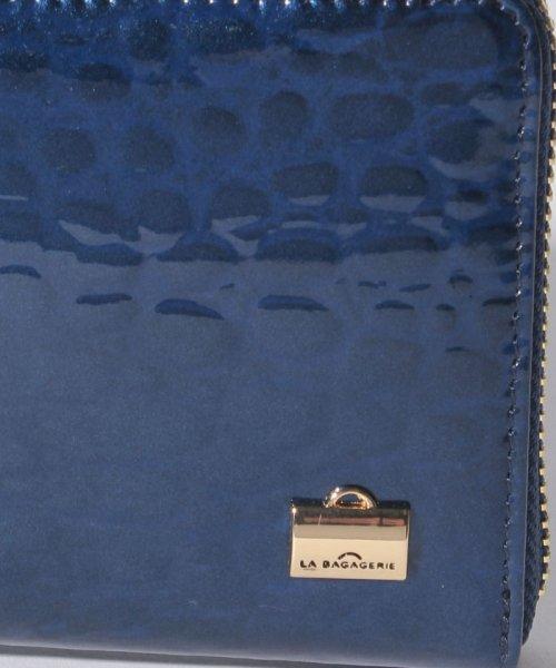 6687b39e359f LA BAGAGERIE(ラ バガジェリー)/クロコ型押しエナメル 長財布/B629206_img04
