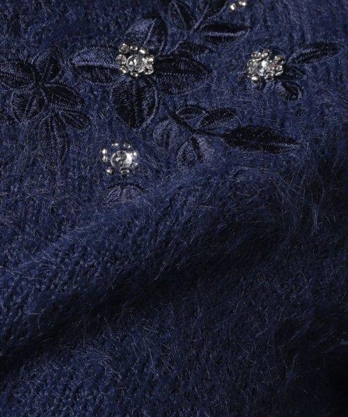 Eimy Peal by POWDER SUGAR(エイミーパール バイ パウダーシュガー)/フェザーヤーン花刺繍入りボートネックニット/4T68246_img12