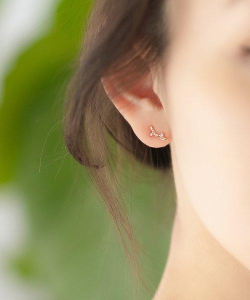 Phoebe(フィービィー)/【K10】ツイストダイヤモンドピアス/501911451_img01
