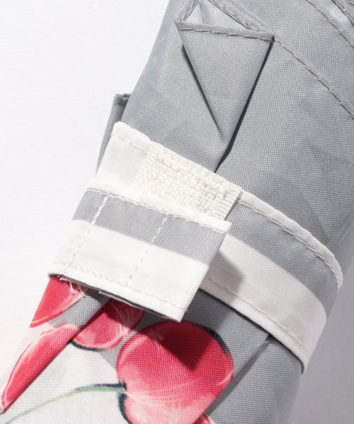 pink trick(ピンクトリック)/BE SUNNY ビーサニー スリム3段折りたたみ傘 チェリーボーダー ポーチ付  (晴雨兼用 UVカット 紫外線カット 耐風 軽量 撥水)/87389_img03