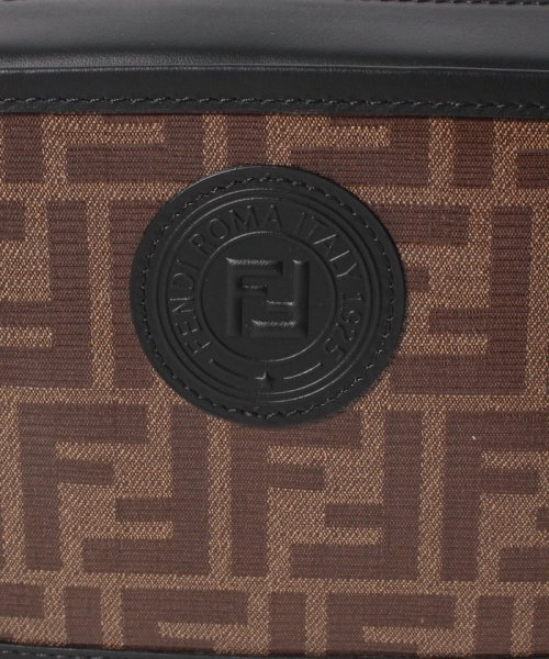 FENDI(フェンディ)/【FENDI】ショルダーバッグ/FENDI CAM MINI CAMERA CASE【MOGANO/BLACK】/8BS019A5K4F14TU_img04