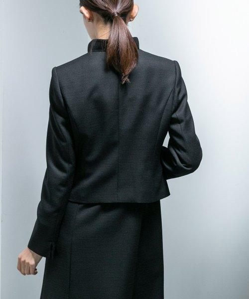 form forma(フォルムフォルマ)/【ワンピース前開き仕様・勝山織】スタンドカラーブラックフォーマルスーツ/0603656_img21