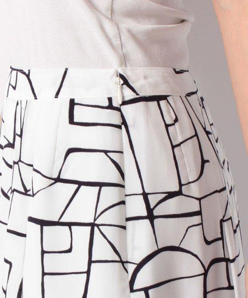 LAPINE BLANCHE(ラピーヌ ブランシュ)/【セットアップ対応】シルキーデシン 幾何柄プリントスカート/159112_img04