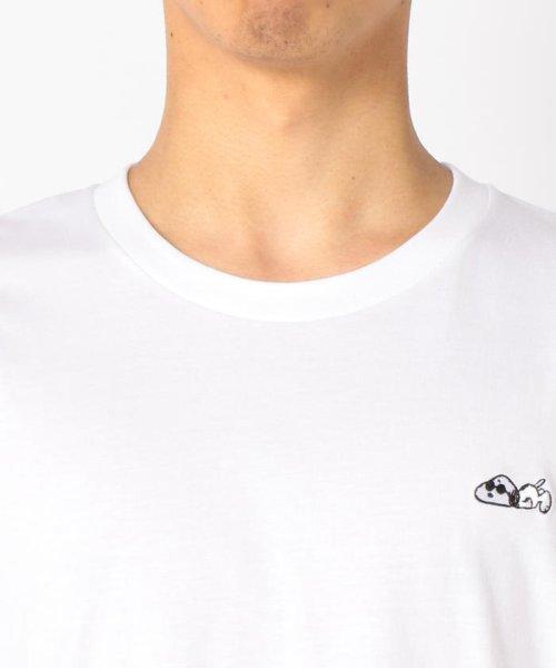 FREDYMAC(フレディマック)/【PEANUTS×FREDY MAC】スヌーピーワンポイント刺しゅうTシャツ/9-0690-2-50-014_img04