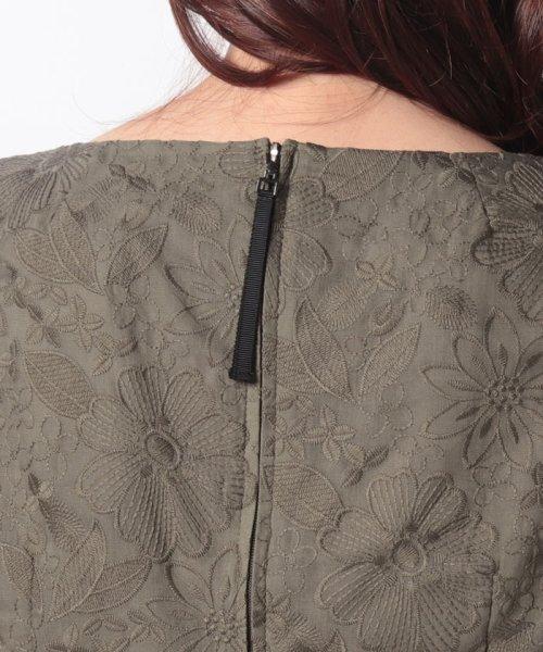 MISS J(ミス ジェイ)/刺繍入りスパンボイル×ポンチドッキング ドレス/631564_img05