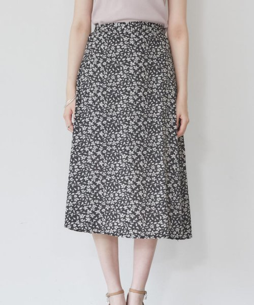 MISCH MASCH(ミッシュマッシュ)/小花柄Aラインナロースカート/850000055250391_img01