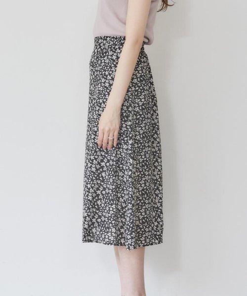 MISCH MASCH(ミッシュマッシュ)/小花柄Aラインナロースカート/850000055250391_img02