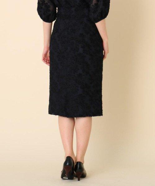 Couture Brooch(クチュールブローチ)/【WEB限定サイズ(LL)あり/手洗い可】カットジャガードミモレ丈スカート/20190250877006_img03