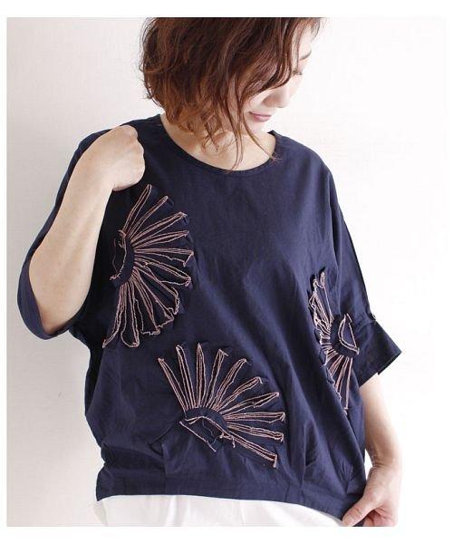 Sawa a la mode(サワアラモード)/立体的な花刺繍のドルマンスリーブトップス/mode-4927_img09