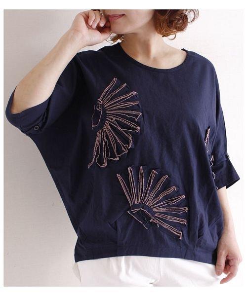 Sawa a la mode(サワアラモード)/立体的な花刺繍のドルマンスリーブトップス/mode-4927_img13