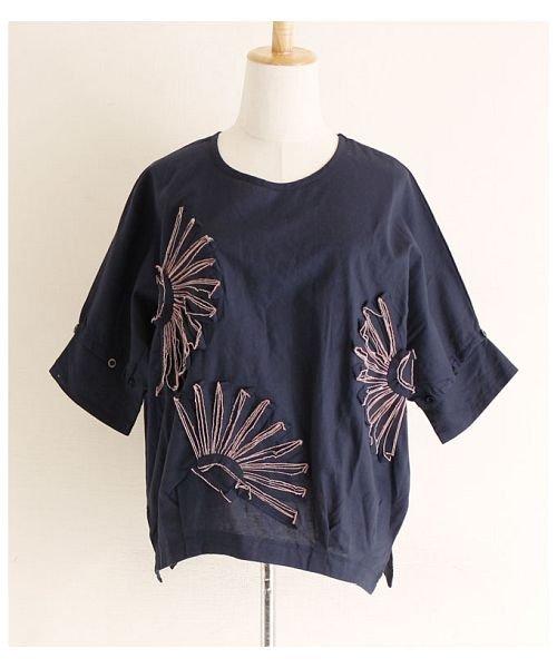 Sawa a la mode(サワアラモード)/立体的な花刺繍のドルマンスリーブトップス/mode-4927_img16