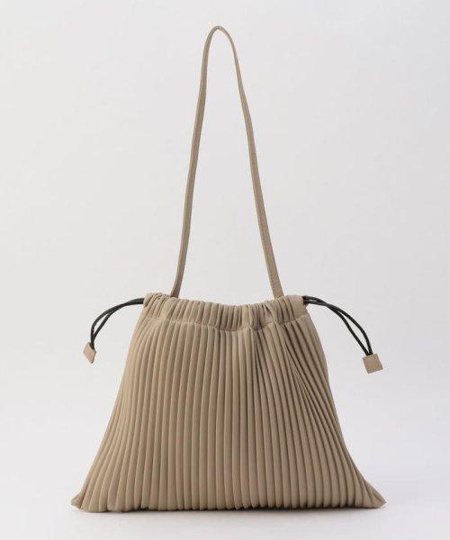 fredy emue(フレディエミュ)/フェイクレザープリーツ巾着バッグ/0-0121-1-32-101_img01