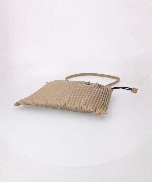 fredy emue(フレディエミュ)/フェイクレザープリーツ巾着バッグ/0-0121-1-32-101_img04