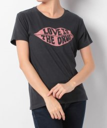 LEVI'S LADY/THE PERFECT TEE LIPS CAVIAR GRAPHIC/500599567