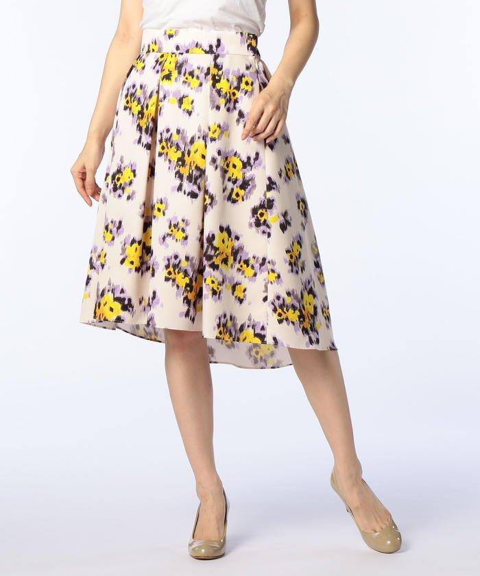 ぼかしフラワープリントスカート