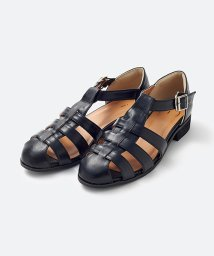 haco!/【mer8月号掲載】靴下でも素足でも合う 本革風編み込みサンダル/500884406