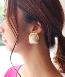 NOBLE/【V+J】white*gold square earring/501128155