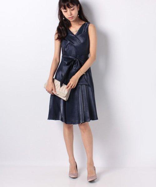 Eimy Peral(エイミーパール(ドレス))/ネックレス付光沢ウエストリボンドレス/4990