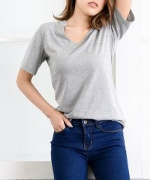 Girly Doll/Vネック/Tシャツ/テロ素材/501503085