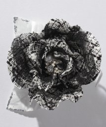 BLACK GALLERY/【入学式・卒業式・セレモニー・七五三・結婚式】ツイード素材のクラシカルモダンコサージュ/501535396