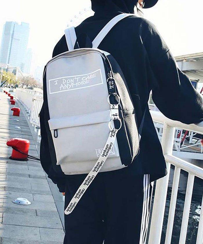 キャンバスリュック メンズレディース 大容量 リュックサック 通学 旅行 スクエアバッグ