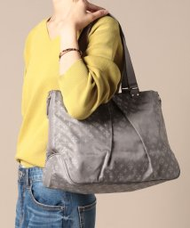 russet/WING TOTE/501592372