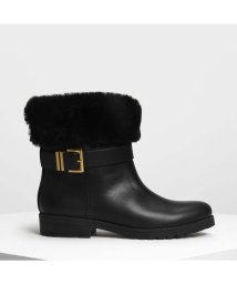 CHARLES & KEITH/ファー カフ バックルブーツ / Furry Cuff Buckled Boots (Black)/501682779