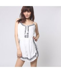 GUESS/ゲス GUESS SL TOPAZ EMBROIDERED ROMPER (WHITE ALYSSUM)/501728621