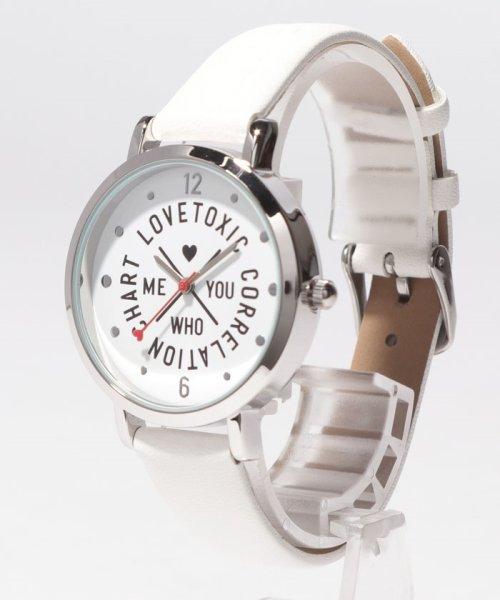 Lovetoxic(ラブトキシック)/ロゴ型押し腕時計/8391506