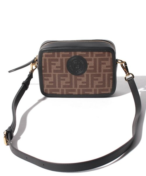 FENDI(フェンディ)/【FENDI】ショルダーバッグ/FENDI CAM MINI CAMERA CASE【MOGANO/BLACK】/8BS019A5K4F14TU