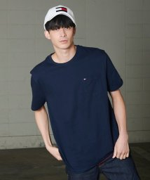 TOMMY HILFIGER MENS/【オンライン限定】ポケットTシャツ/TOMMY CREW TEE/502018372