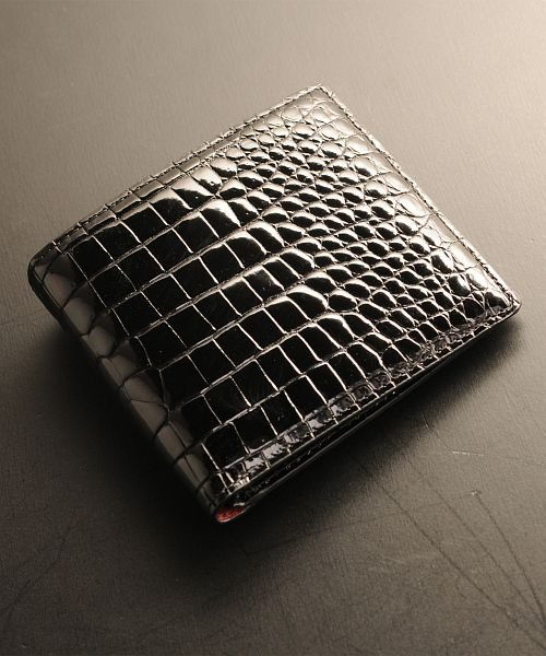 スモール クロコダイル 折り財布 メンズ シャイニング 加工 センター取り 一枚革 無双 ヘンローン 『クロコダイル保証書付き』