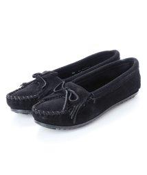 MINNETONKA/ミネトンカ Minnetonka KILTY Suede Moccasin Shoes (ブラック)/502173216