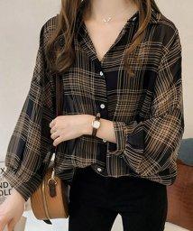 maison de LATIR/短めの長袖とゆったりしたシルエットが女性らしいチェックシャツ。/502280889