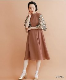 merlot/【plus】花刺繍レース袖ワンピース/502332703