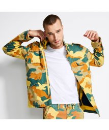 GUESS/ゲス GUESS CARTER TWILL ANORAK JACKET (TOTEM CAMO MUTED MOSS)/502456378