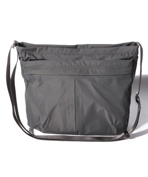 Y'SACCS(イザック)/ナイロンタフタショルダーバッグ たて型/Y620103
