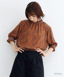 merlot/【TVドラマ着用】小花柄シャーリングシフォンブラウス/502490434