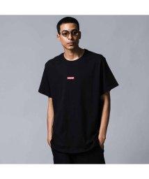 Levi's/リラックスグラフィックTシャツ  BABY TAB BLACK + CRIMSON EMBROIDERY/502488015