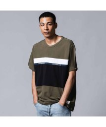 Levi's/MIGHTY PIECED Tシャツ TAPE APPLIQUE OLIVE NIGHT/ BLACK/ WHITE/502494862