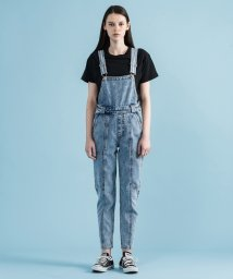 LEVI'S LADY/UTILITY MOM OVERALL PULL A FAST ONE OVER/502506158
