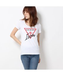 GUESS/ゲス GUESS TRIANGLE LOGO ICON TEE (TRUE WHITE)/502586363