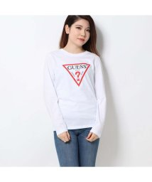 GUESS/ゲス GUESS TRIANGLE LOGO ROUND-NECK L/S TEE (WHITE)/502591591